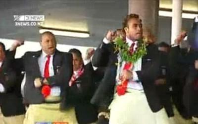 4000 personnes pour recevoir le Tonga
