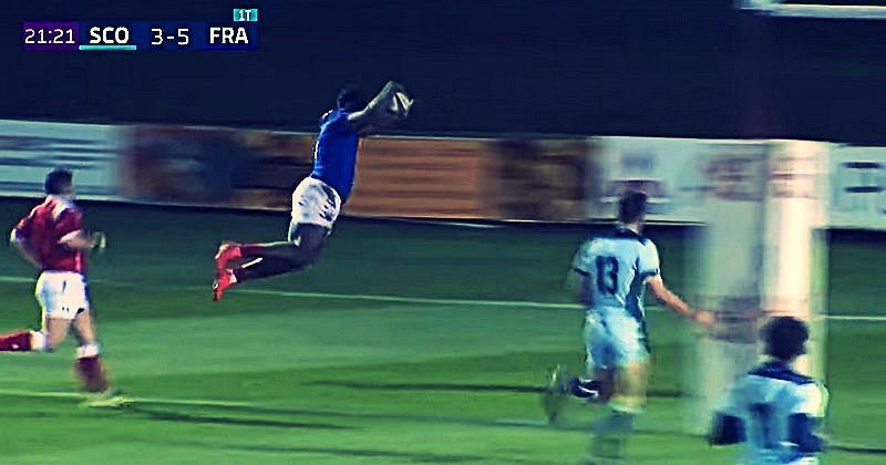 6 Nations U20 - Joseph s'offre un saut de l'ange après une action de 60m [VIDÉO]