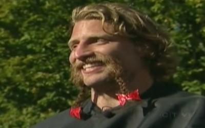 Adam Kleeberger (Canada) rase sa barbe !