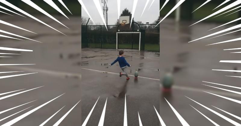 A 6 ans, il réussit un coup de pied incroyable au deuxième essai [VIDÉO]