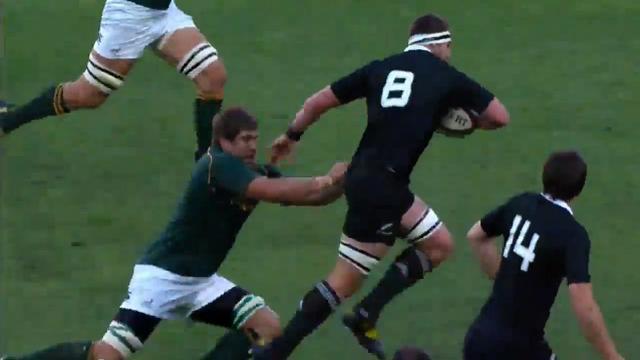 VIDEO. Rugby Championship - Afrique du Sud - Nouvelle-Zélande : La passe invisible de Kieran Read pour Ben Smtih qui mystifie la défense