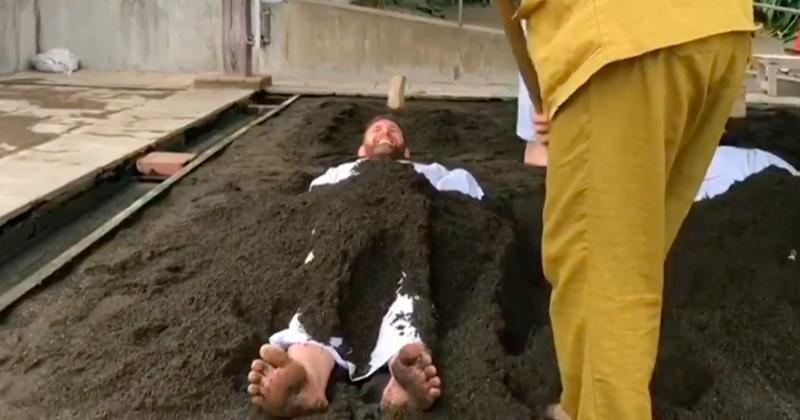 All Blacks - Fini la cryothérapie, les Blacks passent aux bains de sable ! [Vidéo]
