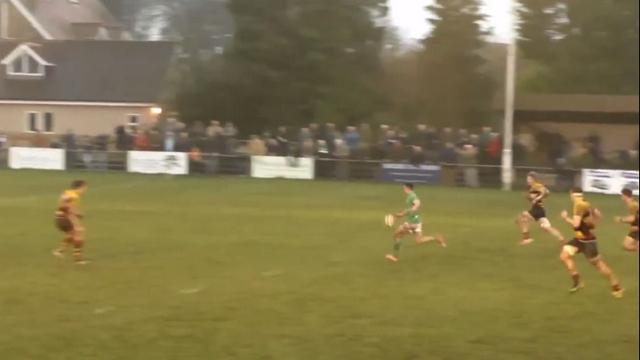 VIDEO. Angleterre. Le U18 Taylor Prell nous offre un petit bijou d'essai sur 90 mètres