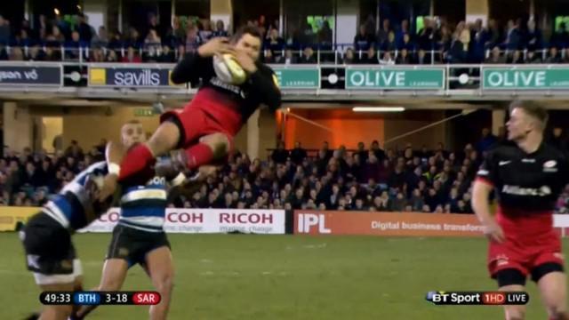 VIDEO. Premiership. Un supporter s'introduit dans le vestiaire de l'arbitre suite au carton rouge d'Anthony Watson