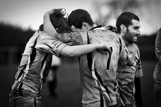 PHOTO. Amateur. Loin des stars et des paillettes, la beauté du rugby en noir et blanc