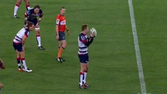 VIDEO. Super Rugby : l'arbitrage très pointilleux de M. Gardner sur les coups d'envoi