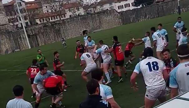 VIDEO. Grosse bagarre générale, deux cartons rouges et match arrêté entre les Espoirs de Bayonne et Toulon