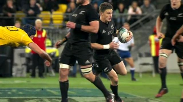 VIDEO. Beauden Barrett, l'arme absolue des All Blacks face au XV de France ?