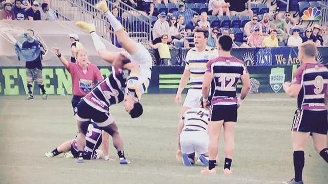 VIDEO. INSOLITE. Bilal Hassen passe en mode WWE pendant un match de rugby à 7