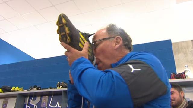 VIDÉO. INSOLITE. Bizuté après la victoire face au RCT, Jake White doit boire dans la chaussure d'un de ses joueurs