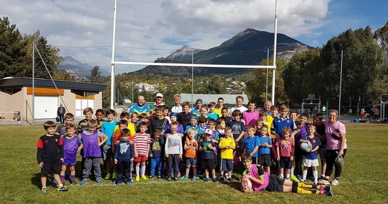 Carte postale du fond des montagnes haut-alpines du Rugby Club du Pays Briançonnais