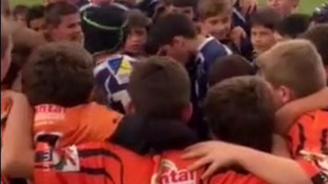 VIDEO. RUGBY AMATEUR : deux écoles de rugby vivent un beau moment de communion avec le tracteur