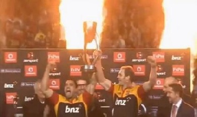 Les Chiefs surclassent les Sharks en finale du Super Rugby