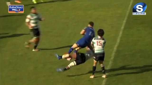 VIDEO. Pro 12 - Christian Loamanu KO après un choc impressionnant dans les airs avec Zane Kirchner