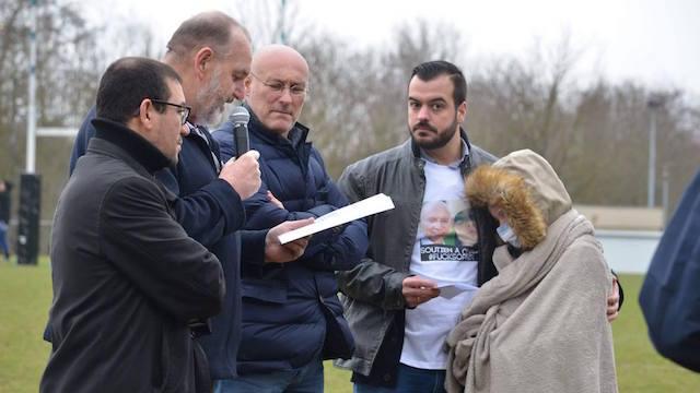 VIDEO.  Bernard Laporte donne le coup d'envoi d'un match de rugby pour aider Clara à lutter contre son cancer