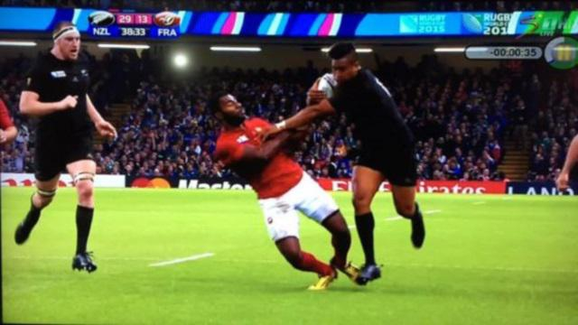 VIDEO. Coupe du monde - All Blacks : Julian Savea distribue les culs de l'espace face au XV de France