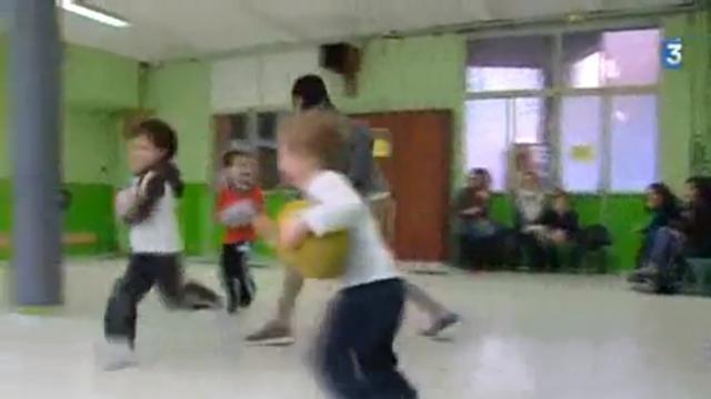 VIDEO. A la maternelle et déjà joueur de rugby