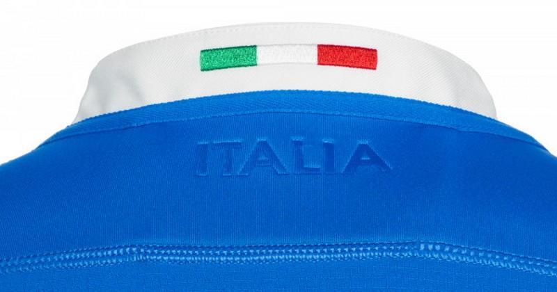 PHOTOS - L'Italie dévoile son nouveau maillot domicile pour 2018-2019