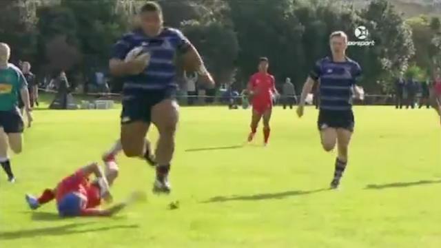 VIDEO. Il fait 135 kilos, des feintes de passe et court aussi vite qu'un ailier, voici Taniela Tupou, le Hulk tongien
