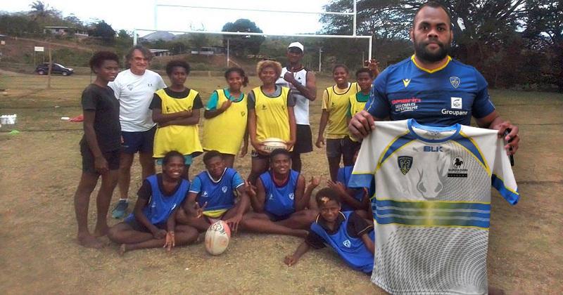 Deux jeunes étudiants se lancent dans un projet sportif et solidaire pour Nadroga