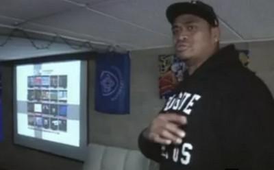 DJ Tekori, deuxième ligne du Castres Olympique et animateur de soirée