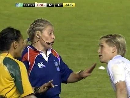 Le rugby féminin c'est pas du rugby ?! Regarde ca...