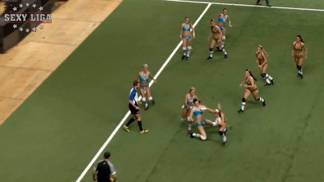 VIDEO. En République tchèque le rugby féminin se joue en petite tenue
