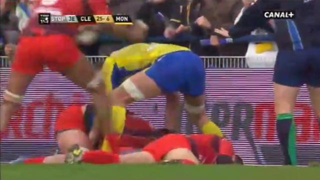 VIDEO. Top 14 : Eric Escande tombe subitement et se fait punir par son coéquipier
