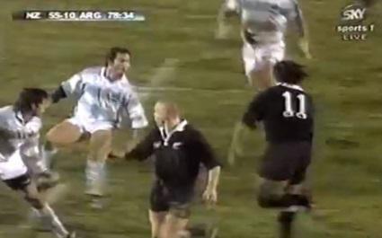 FLASHBACK. 1997. Les All Blacks inscrivent l'un des plus beaux essais de leur histoire