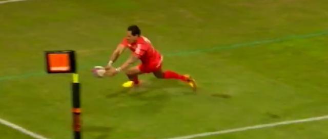 VIDEO. FC Grenoble - Stade Toulousain : Le gros raté d'Hosea Gear qui ne parvient à aplatir dans l'en-but