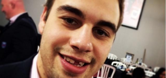 VIDÉO. David Marty casse une dent à James Hart... avec un coup de boule involontaire