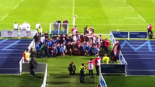 VIDEO. Fédérale 1. Les joueurs du Lille Métrople Rugby célèbrent leur victoire sur Langon en chantant avec leurs supporters