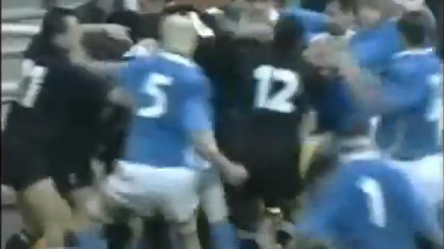 FLASH-BACK. 2000 : Italiens et All Blacks en viennent aux mains après un essai
