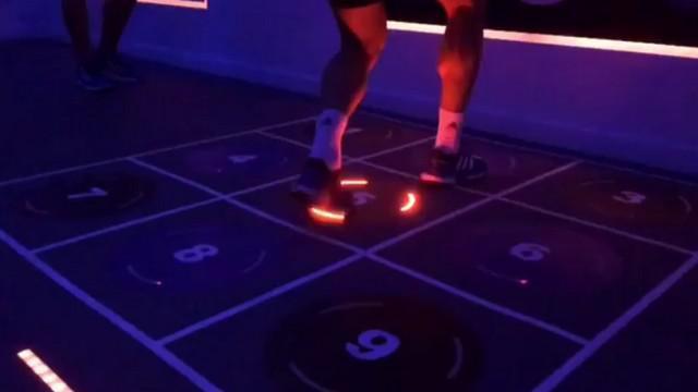 VIDEO. INSOLITE. France 7 s'entraîne sur Dance Dance Revolution avant Dubaï