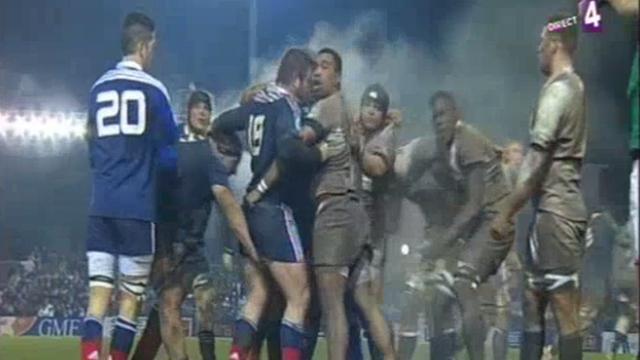 RESUME VIDEO. France - Angleterre -20 ans : le carton rouge d'Anthony Rochet était-il mérité ?