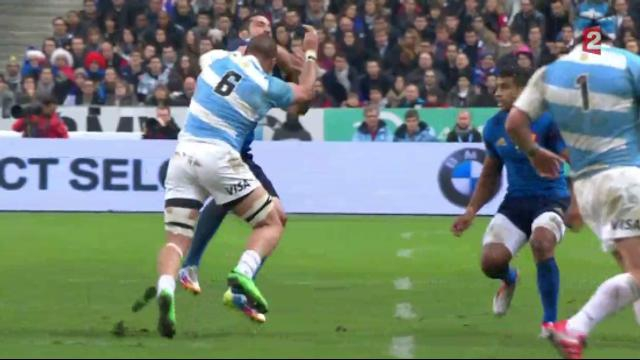 VIDÉO. France - Argentine : Facundo Isa colle un gros arrêt buffet à Scott Spedding