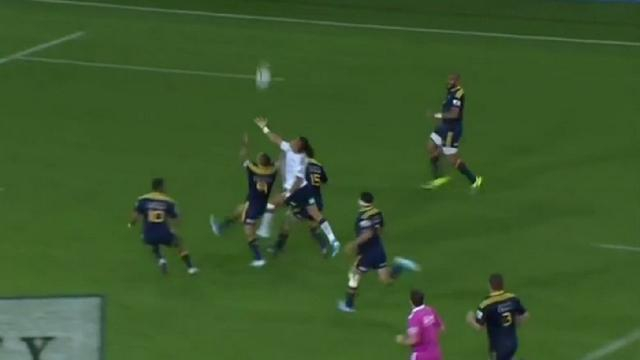 VIDEO. Malakai Fekitoa et Francis Saili ridiculisent les défenses en Super Rugby