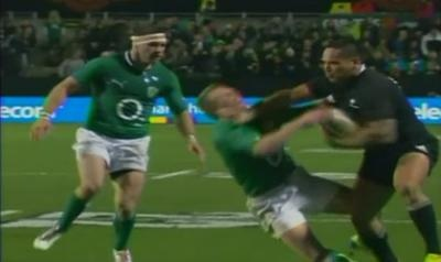 Hosea Gear décapite Keith Earls