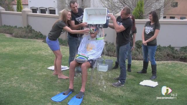 VIDEO. Insolite - Joost van der Westhuizen relève le Ice Bucket Challenge et nomine les Blacks, les Boks et les Wallabies