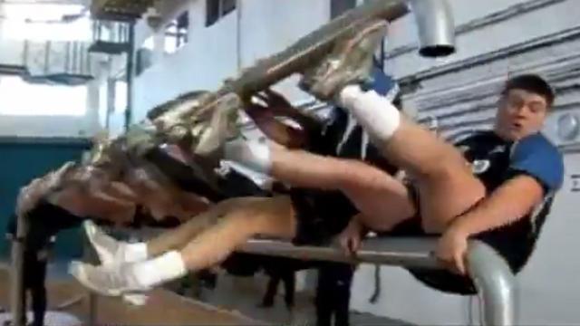 VIDEO. INSOLITE. L'accident ridicule des Sharks de Sale à l'entraînement