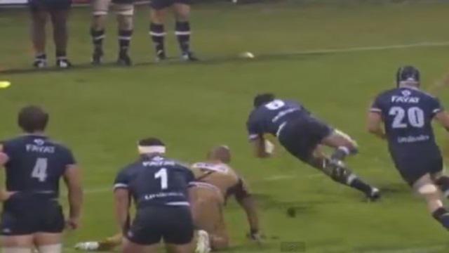 VIDEO. Top 14 - L'UBB intervertit les ballons pour un essai de filou