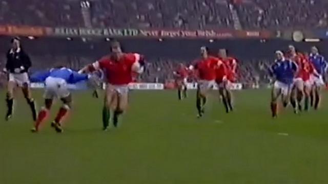 FLASHBACK VIDEO. 1994. La défense scandaleuse de Philippe Saint-André face à Scott Quinnell