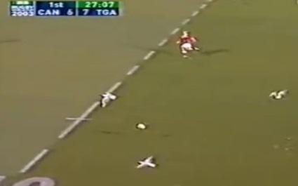 FLASHBACK. 2003. La mouette intercepte le ballon