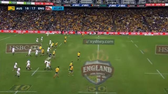VIDEO. INSOLITE : quand la Spidercam influence le match entre l'Australie et l'Angleterre