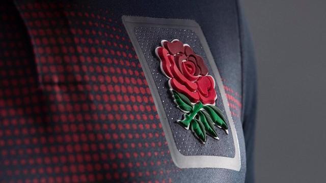 PHOTOS. L'Angleterre dévoile un deuxième maillot...bleu