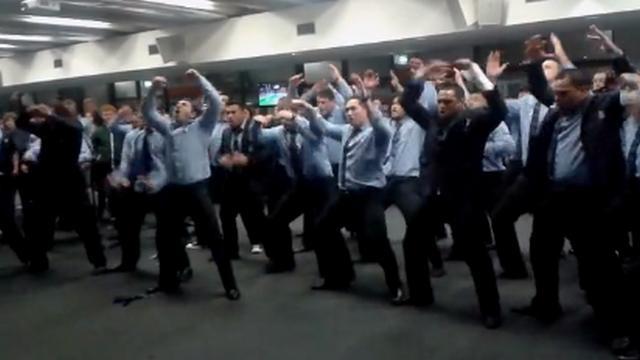 VIDEO. Le haka surpuissant des joueurs de Northland pour dire au revoir à Rene Ranger