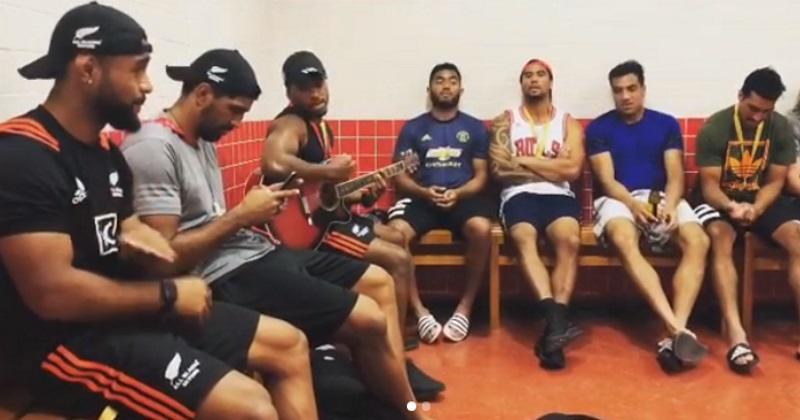 Les All Blacks Sevens remercient leurs fans en chanson après leur victoire à Dubaï [Vidéo]