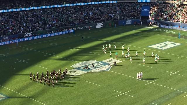 VIDÉO. L'hommage des Irlandais à Anthony Foley pendant le haka des All Blacks