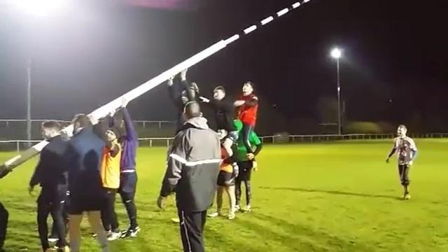 VIDEO. RUGBY AMATEUR - Insolite : Les joueurs du RC Metz Moselle sont des grands POTEAUX