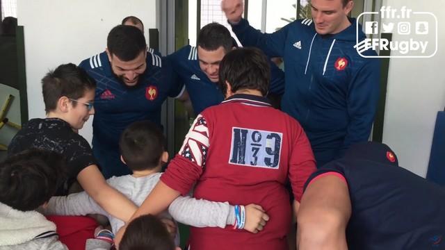 VIDEO. XV de France - Les Tricolores donnent de leur personne pour les enfants malades